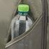 Minden hátizsák integrált palack tartóval, Smart Sleeve funkcióval, kényelmes párnázott pántokkal és hátpanellel, cipzáras biztonsági zsebbel és fényvisszaverő díszítéssel jelenik meg.